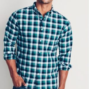 Old Navy Men's Long Sleeve Oxford Button Up Shirt